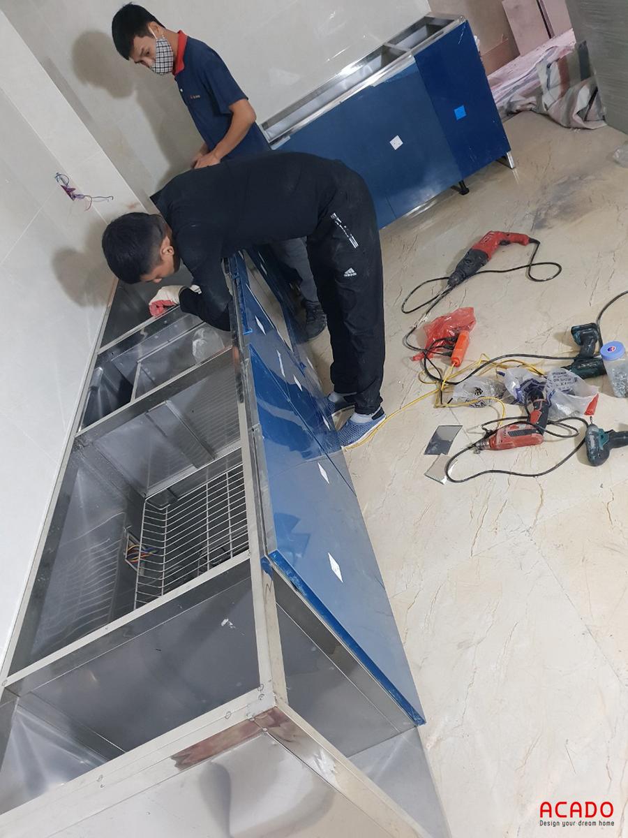 ACADO thi công tủ bếp inox hoàn toàn từ inox 304 cho độ bền cao