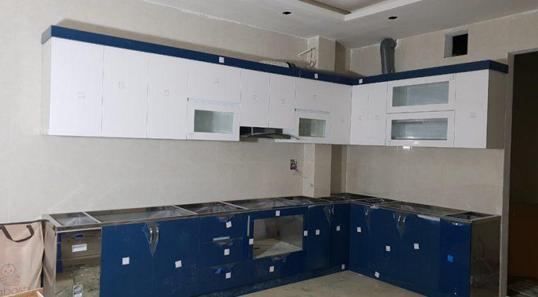 Hình ảnh tủ bếp nhà chị Trâm sau khi đã hoàn thiện.