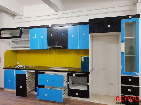 Hình ảnh tủ bếp nhựa Picomat chống nước hiện đại - nội thất ACADO thi công thực tế