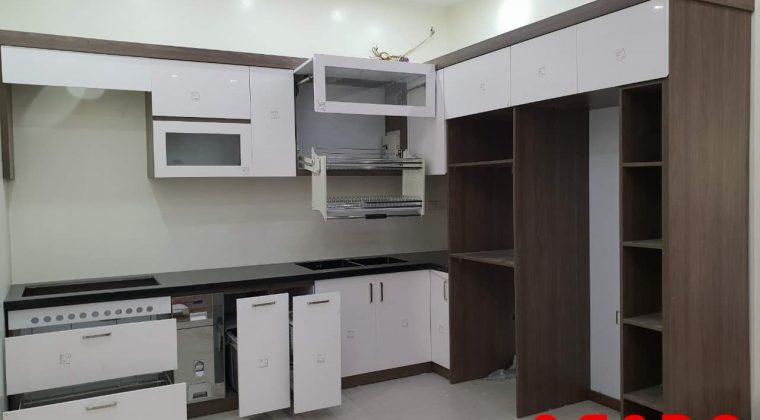 Tủ bếp sử dụng thiết bị phòng bếp
