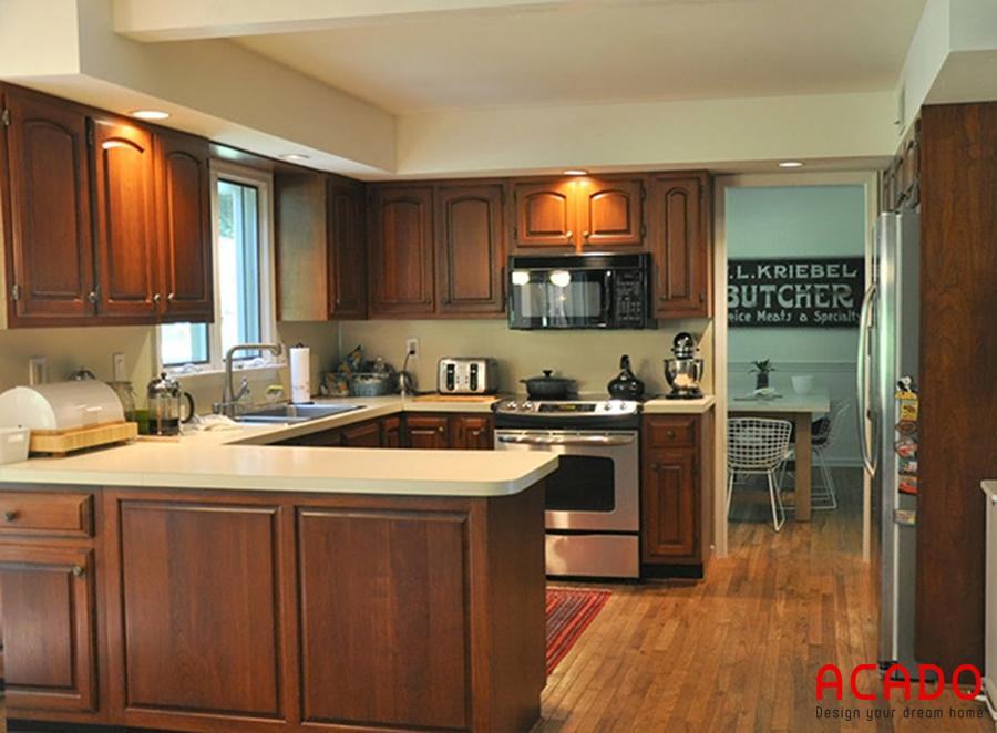 Tủ bếp gỗ gõ đỏ sang trọng - đẳng cấp.