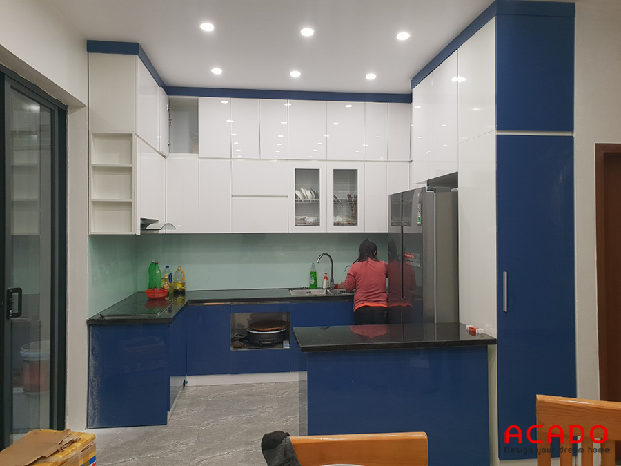 Tủ bếp Acrylic dáng chữ U đẹp, hiện đại.