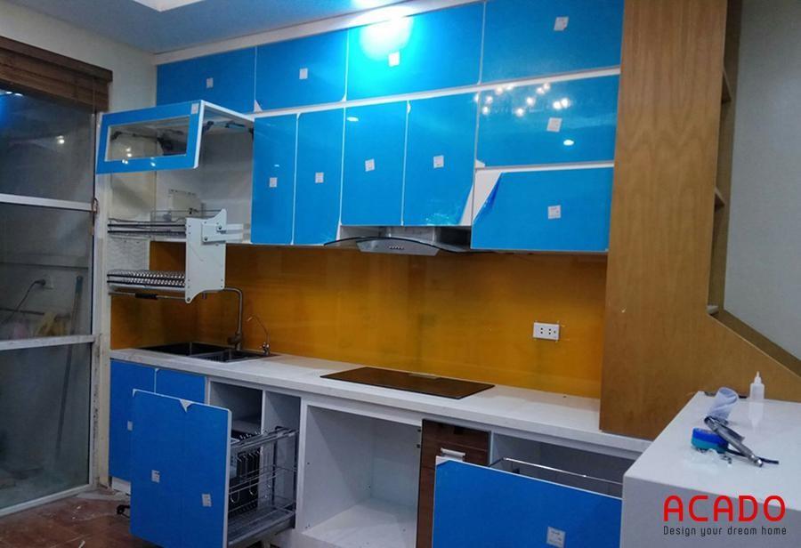 Công trình tủ bếp Acrylic tại Mộ Lao sử dụng giá bát nâng hạ Eurogold hiện tại, tiện dụng
