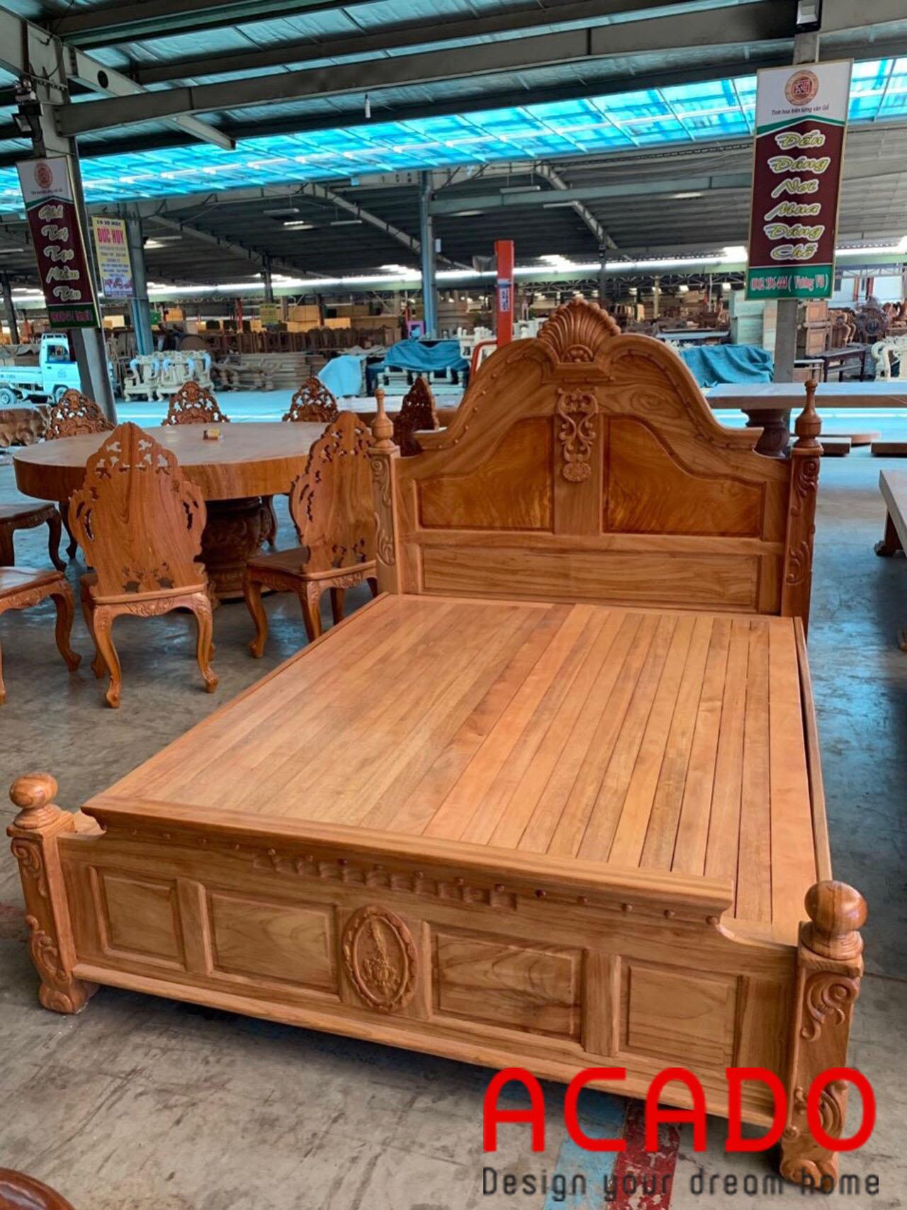 Giường ngủ gỗ gõ kiểu dáng cổ điển cho bạn tham khảo