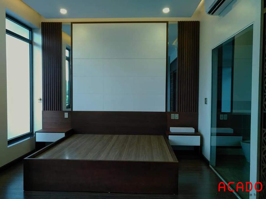 Giường ngủ gỗ công nghiệp màu vân gỗ sang trọng, ấm cúng