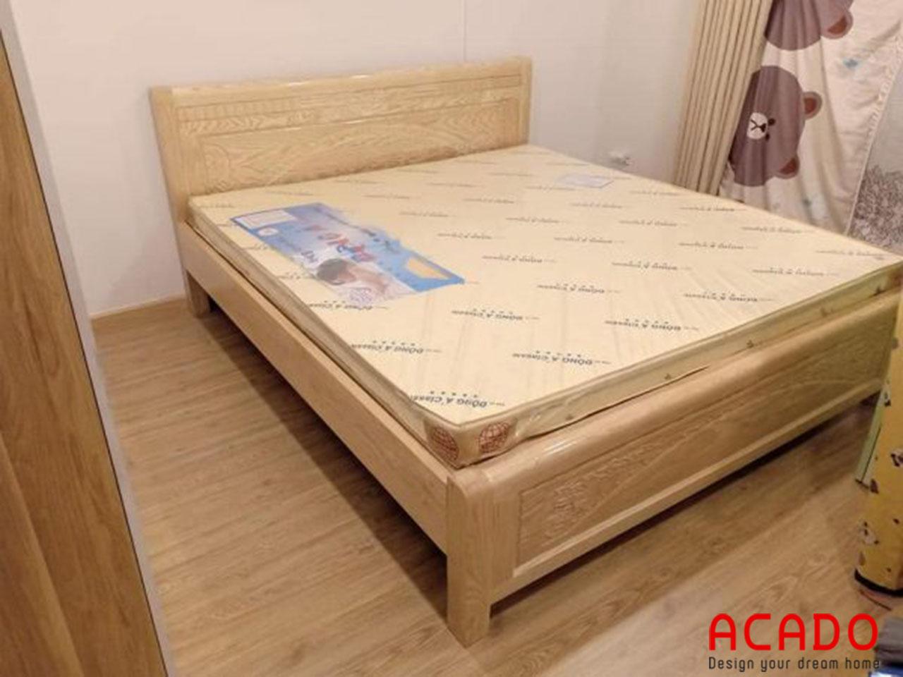 Giường ngủ gỗ sồi nga có độ bền cao, chịu lực tốt