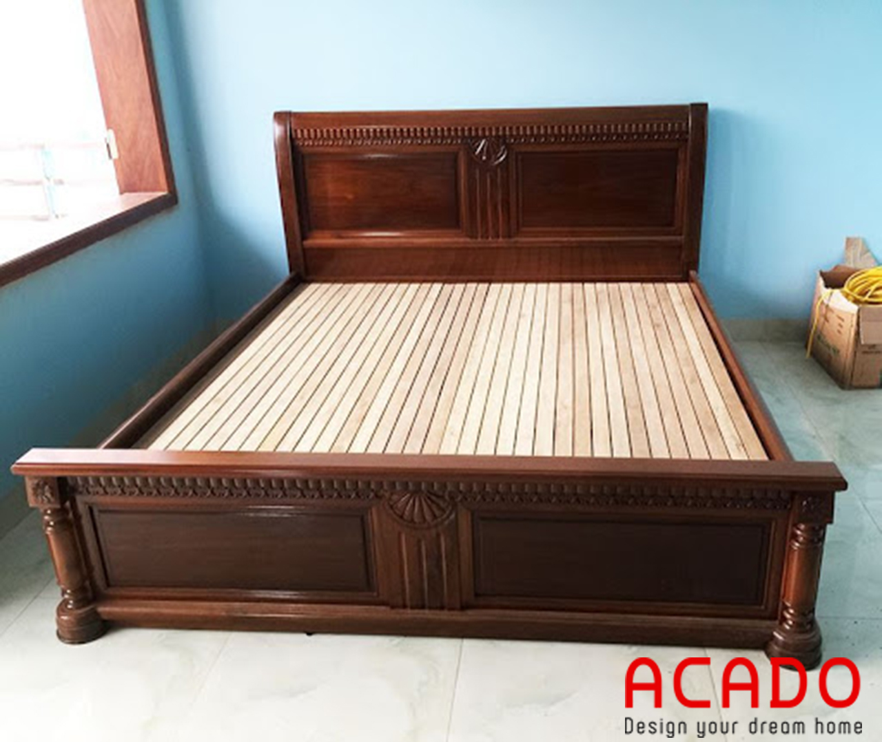 Giường ngủ gỗ hương kiểu dáng cổ điển sang trọng