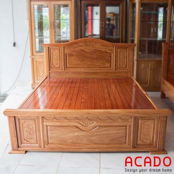 Giường gỗ hương kiểu dáng cổ điển, sang trọng