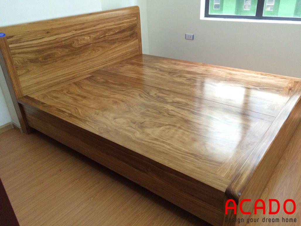 Giường ngủ gỗ tự nhiên mang đến không gian phòng ngủ ấm cúng, gần gũi