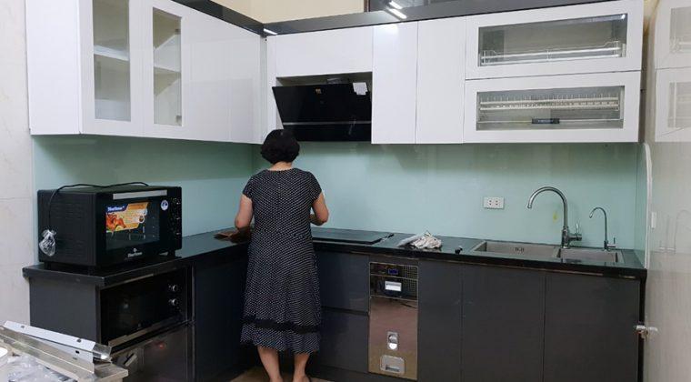 Tủ bếp Acrylic ACADO thi công tại Thanh Xuân- gia đình cô Hương
