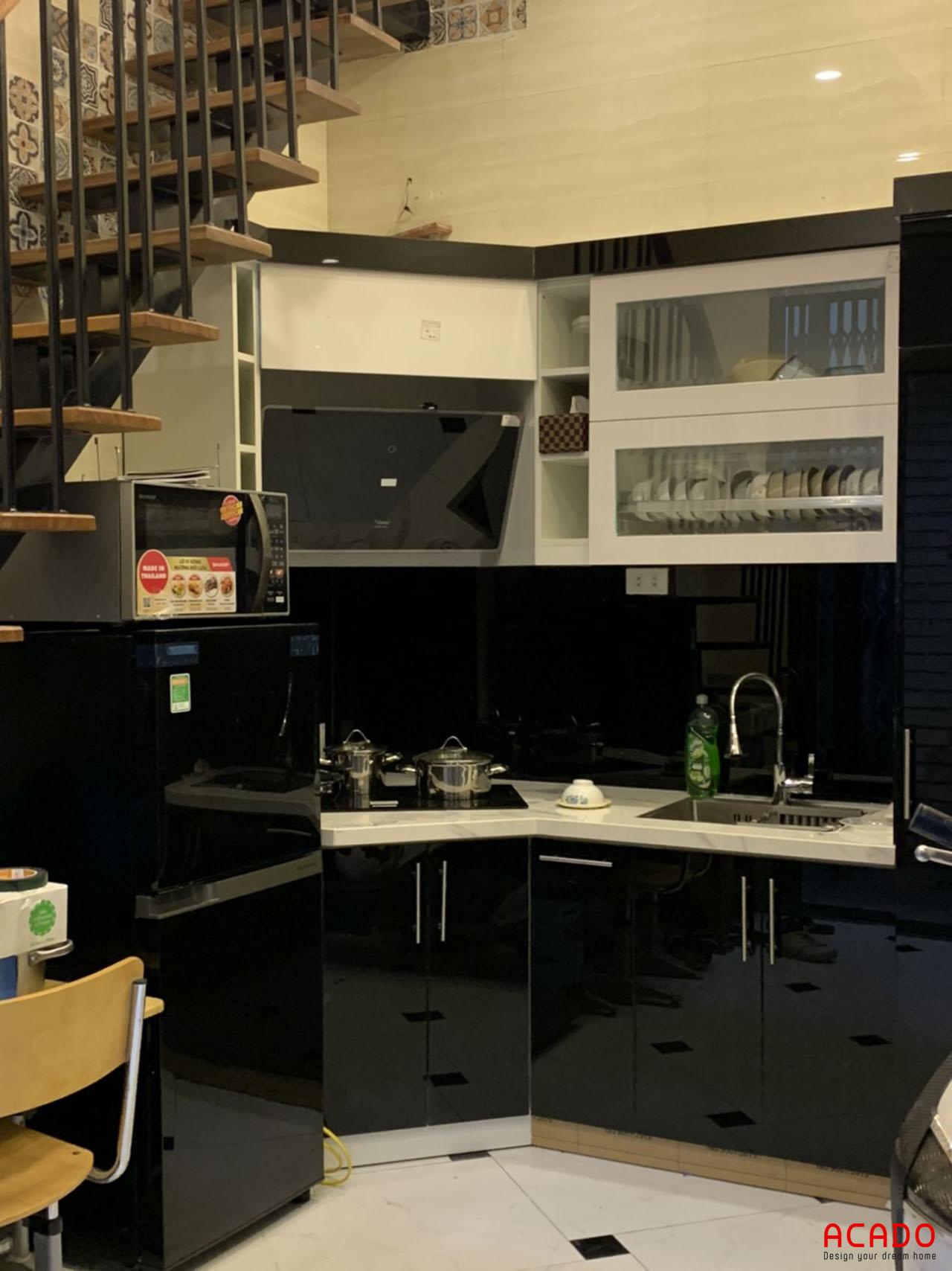 Tủ bếp thùng Melamine cánh Acrylic - công trình Acado thi công cho khách hàng
