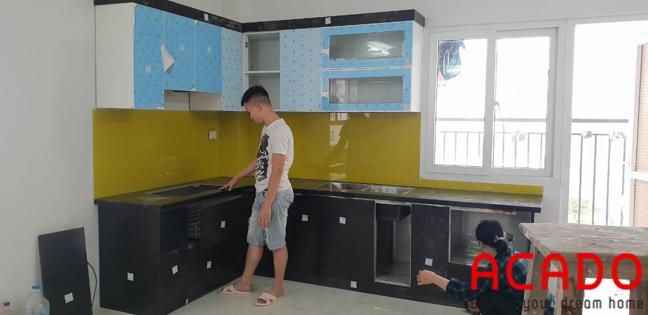 Tủ bếp inox 304 cánh nhựa Acrylic nhà chị Thủy, Thái Hà