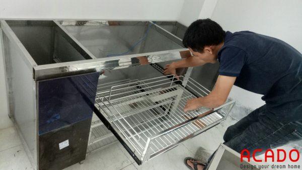 ACADO thi công tủ bếp inox là inox 304 chuẩn, chất lượng cao