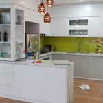 Tủ bếp Melamine màu trắng ACADO thiết kế kiểu dáng trẻ trung và điện đại