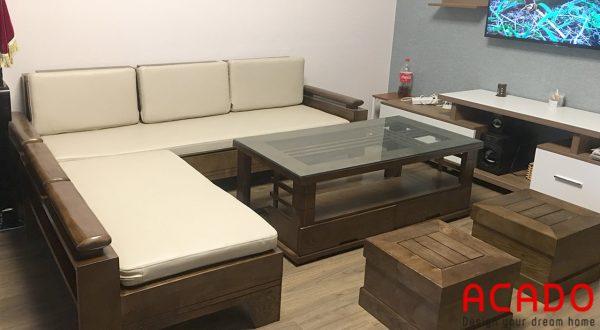 Bộ ghế sofa được làm từ gỗ óc chó cao cấp, sang trọng