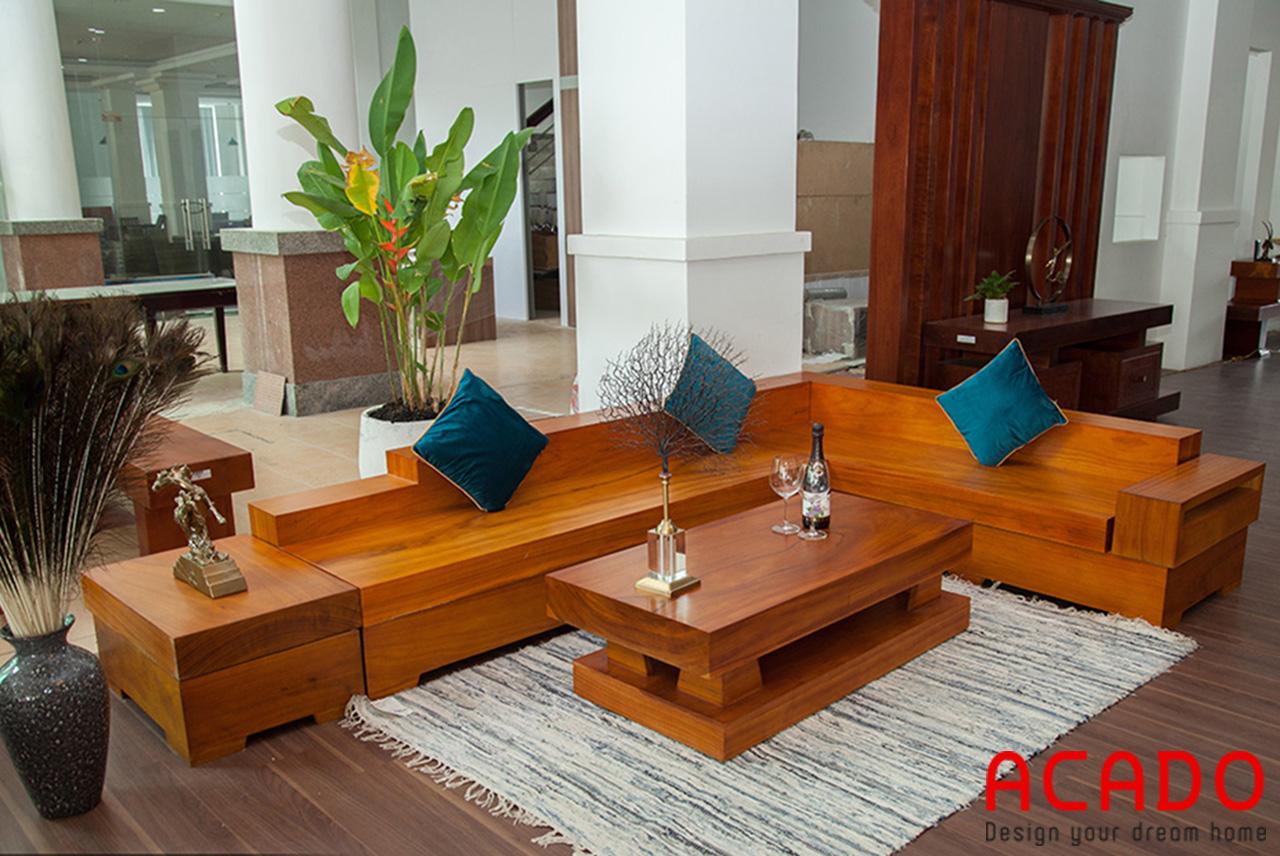 Sofa gỗ sồi Nga tự nhiên nguyên khối được đặt tại phòng khách