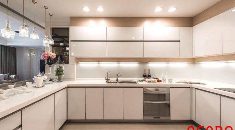 Tủ bếp gỗ công nghiệp melamine hiện đại cho không gian bếp