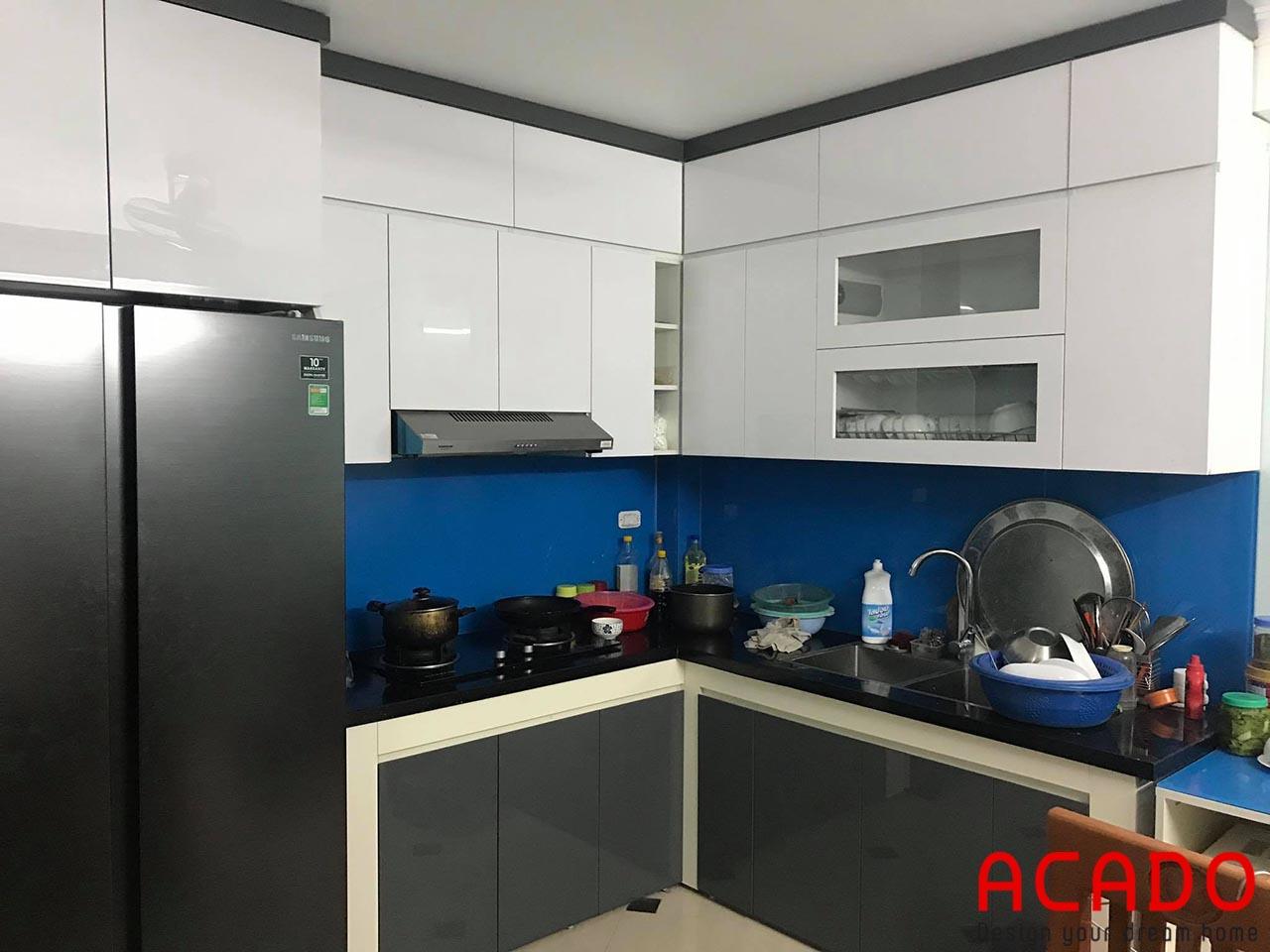 Tủ bếp ksinhmafu xanh dương hiện đại, thu hút tại ACADO