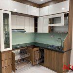 Mẫu tủ bếp đẹp 2021 chất liệu gỗ công nghiệp Melamine hiện đại tại nội thất ACADO