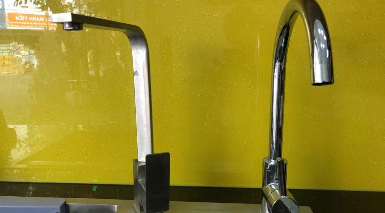 Ngoài ra còn có thêm 2 mẫu vòi tròn và vòi vuông thiết kế đơn giản, tiện lợi khi sử dụng