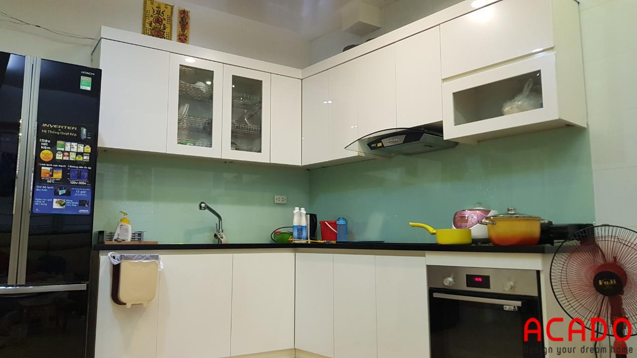 Hình ảnh tủ bếp của gia chủ sau khi đã bóc cánh