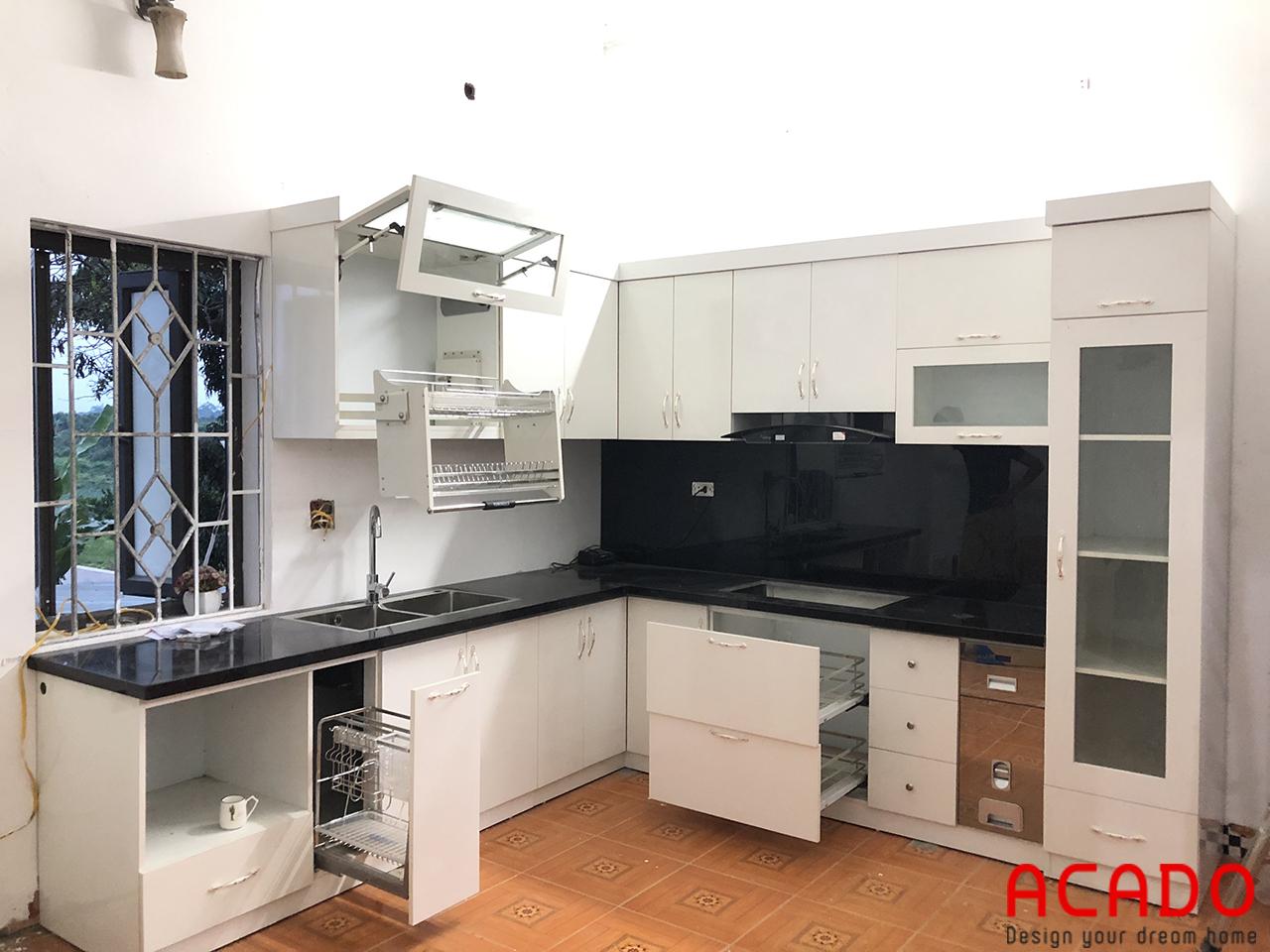 Tủ bếp Melamine màu trắng hiện đại cho căn bếp