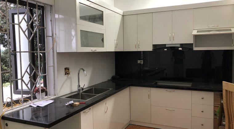 Hình ảnh tủ bếp của khách hàng đang dần hoàn thiện - ACADO thiết kế và thi công