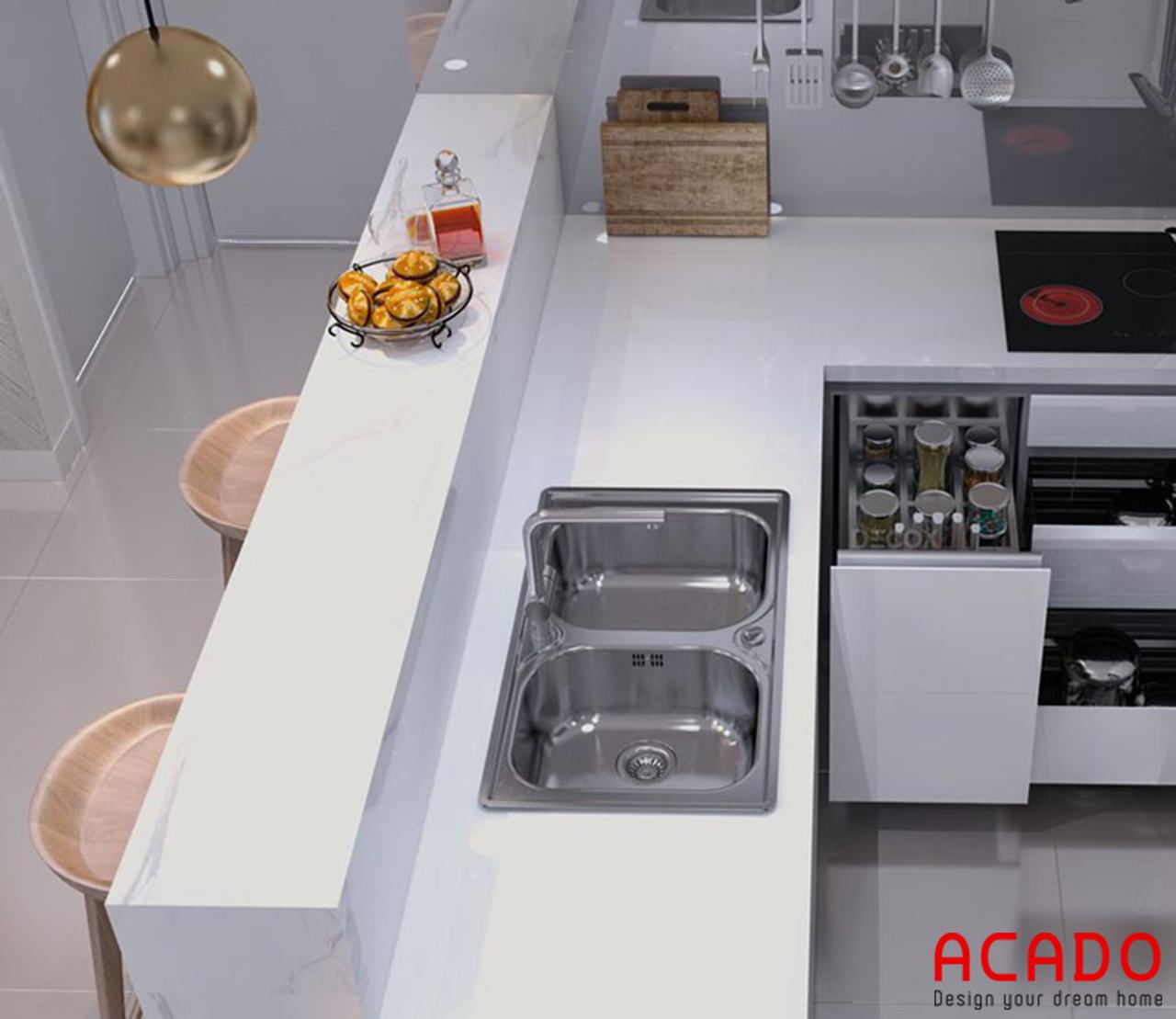 Bếp sử dụng đầy đủ thiết bị và phụ kiện nhà bếp cho gia chủ
