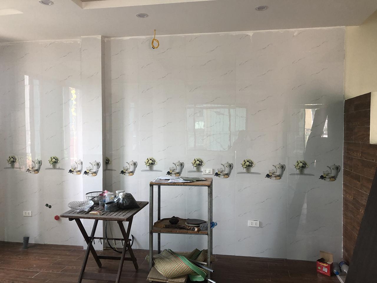 Hiện trạng căn bếp gia đình chị Oanh đã xây bệ bê tông khi ACADO qua khảo sát