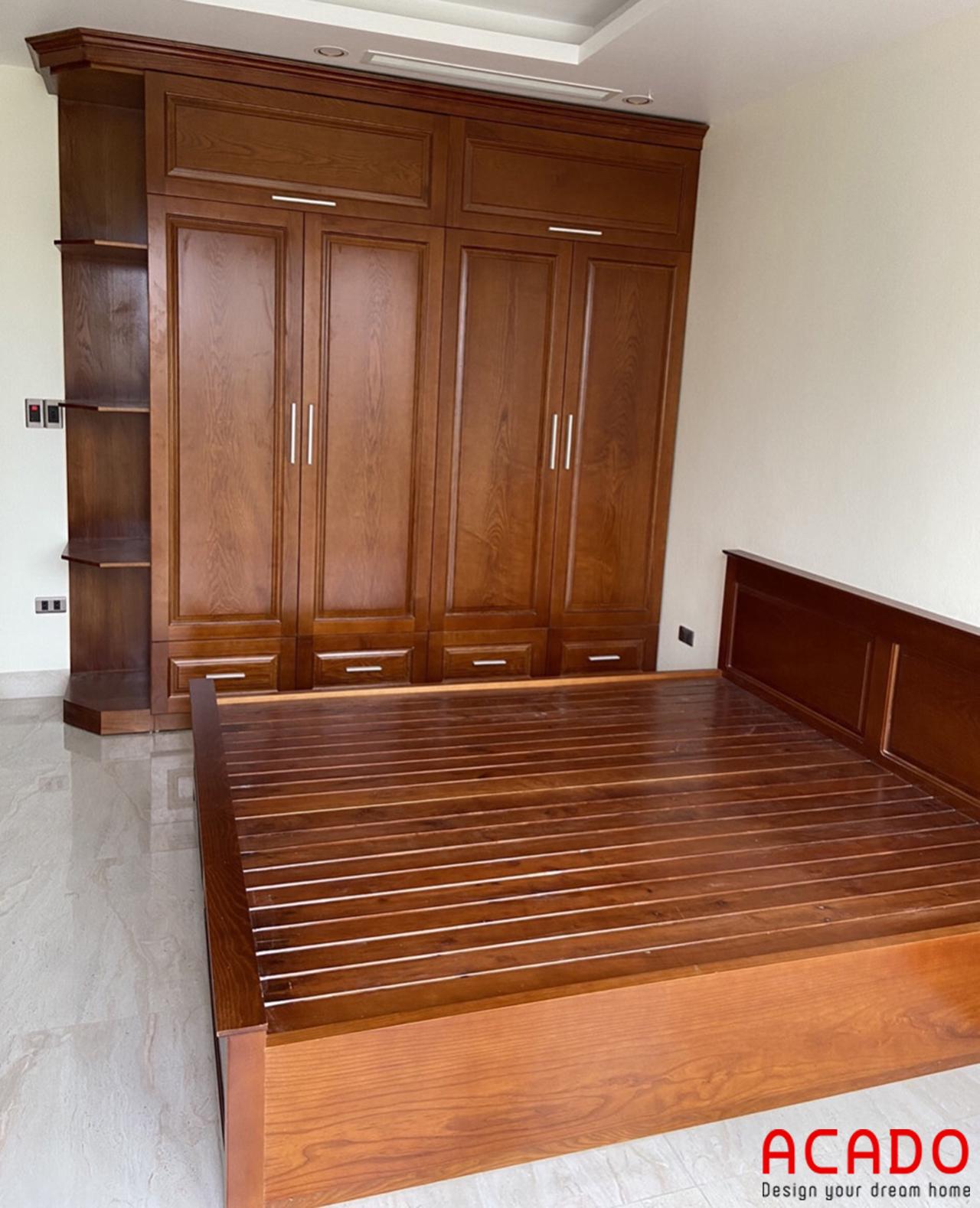tủ quần áo chất liệu gỗ tự nhiên đem lại sự sang trong, lịch lãm cho không gia phòng ngủ.