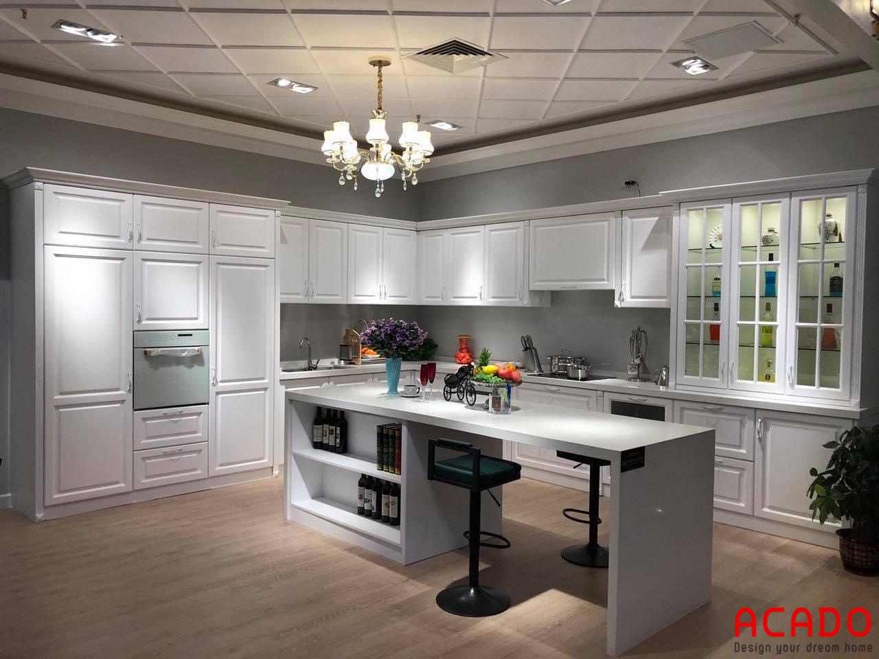 Bộ tủ bếp gỗ công nghiệp sơn trắng mang vẻ đẹp tân cổ điển sang trọng, tinh tế