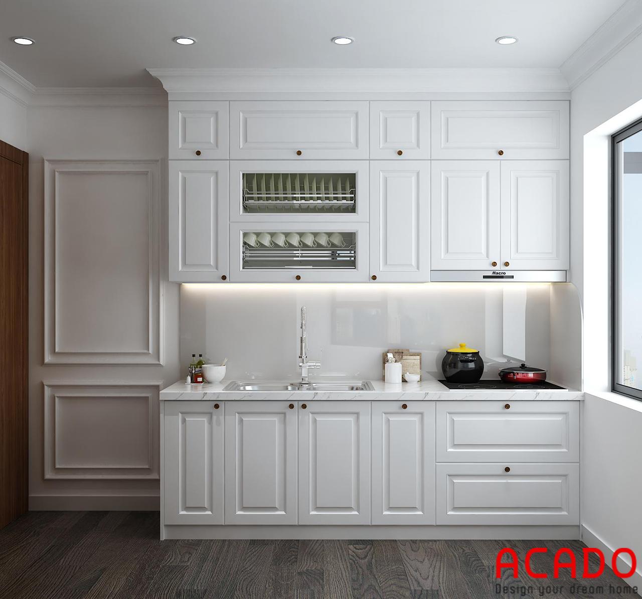 Tủ bếp gỗ sồi Nga sơn bệt màu trắng trẻ trung, hiện đại . Có nên sử dụng tủ bếp sơn bệt không ?