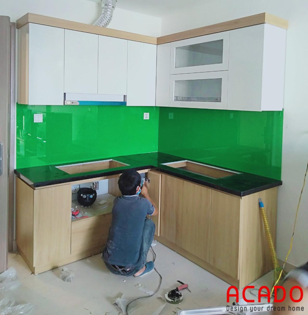 Tủ bếp chất liệu gỗ công nghiệp Melamine chống ẩm cho độ bền cao