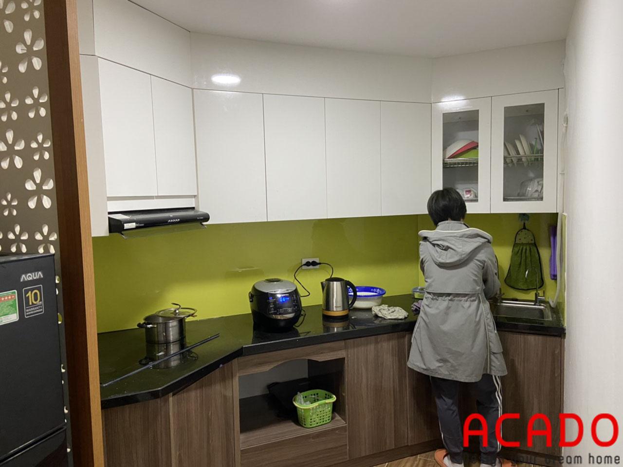 Tủ bếp chất liệu melamine chống ẩm, mối mọt tuyệt đối