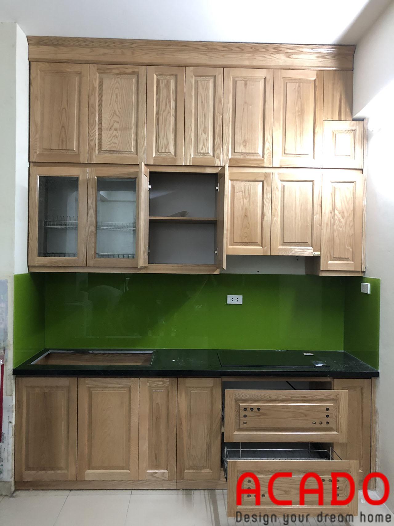 Tủ Bếp gỗ sồi Nga được sử lí trên dây chuyền hiện đại tăng khả năng chống ẩm, mối mọt
