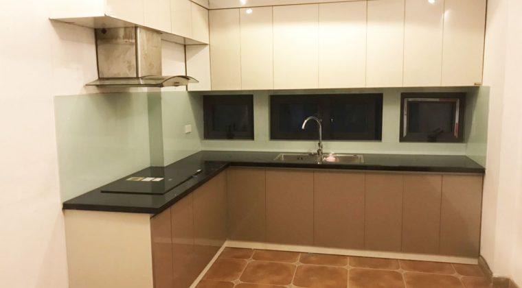 Hoàn thành công trình lắp đặt tủ bếp tại gia đình chị Yến- lắp đặt nội thất tại Kim Liên