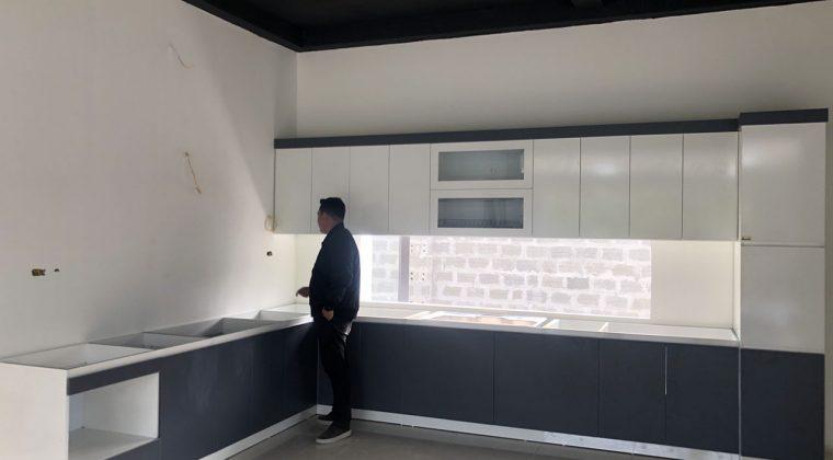 Tủ bếp xanh trắng kết hợp mang lại sự trẻ chung, sang tron g cho căn bếp - Lắp đặt tủ bếp tại Thạch Thất