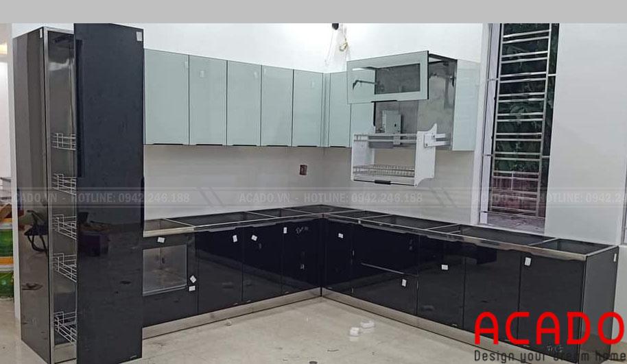 Tủ bếp inox cánh kính bền đẹp vượt trội với thời gian - Nội thất ACADO