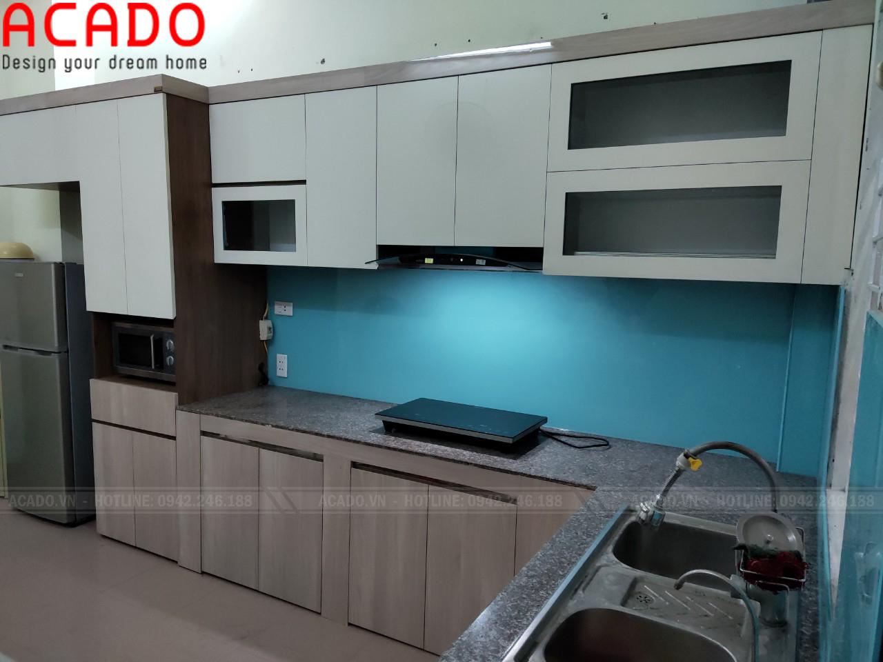 Tủ bếp khung Inox chắc chắn mang lại độ bền cao cho bộ tủ bếp - Nội thất ACADO