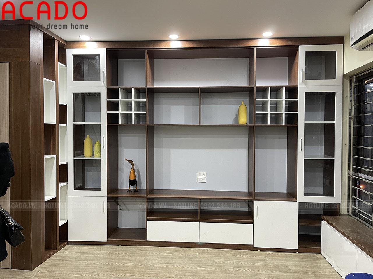Thi công hoàn thiện vách kệ tivi cho không gian phòng khách - Thi công nội thất tại Lê Trọng Tấn