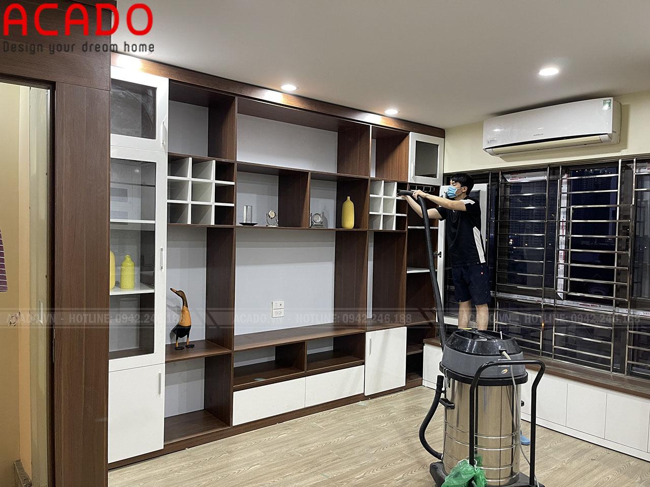 Vách kệ tivi được thiết kế bởi đội ngũ thiết kế ACADO mang phong cách trẻ trung, hiện đại