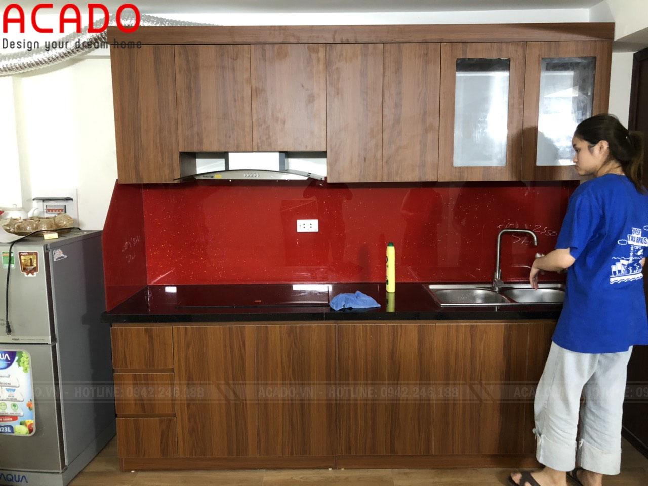 Tủ bếp chất liệu Melamine chống ẩm, chống mối mọt vượt trội - Thi công tủ bếp tại Hai Bà Trưng