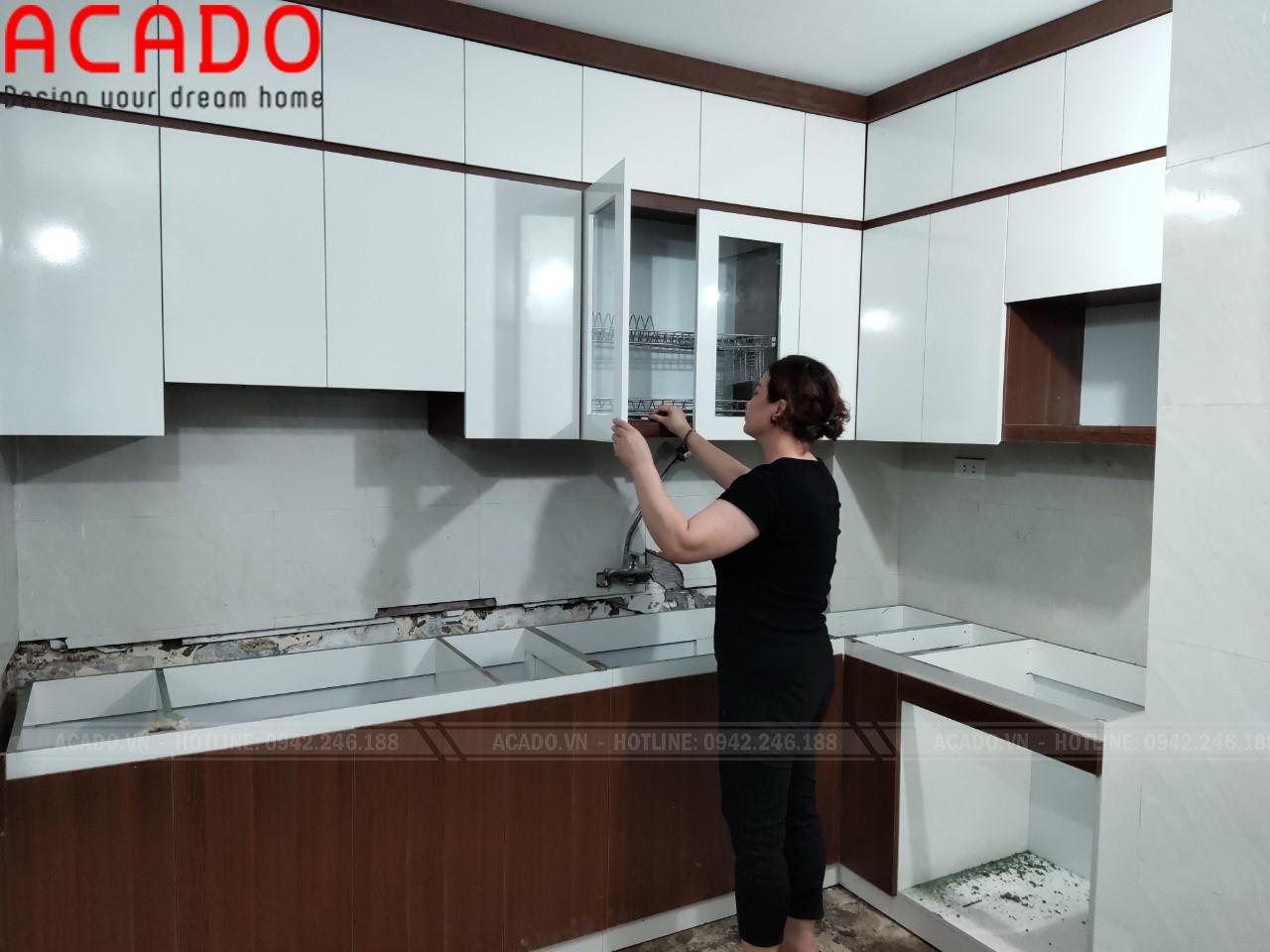 Hoàn thành lắp đặt công trình tủ bếp và bàn giao lại cho gia đình chị Hà