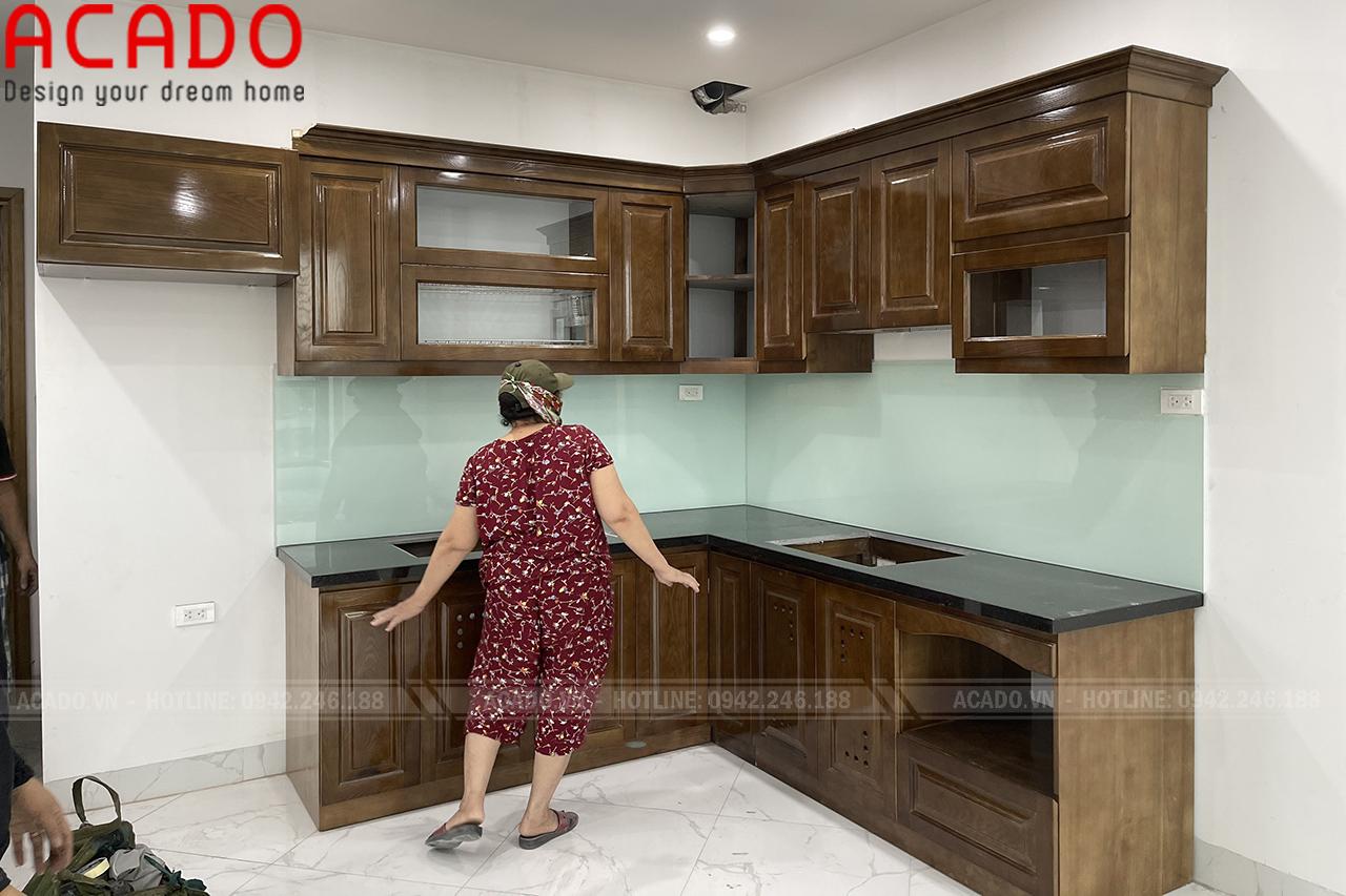 Tủ bếp thiết kế chữ L, phù hợp với không gia bếp gia đình anh Vinh - Làm tủ bếp tại Hai Bà Trưng