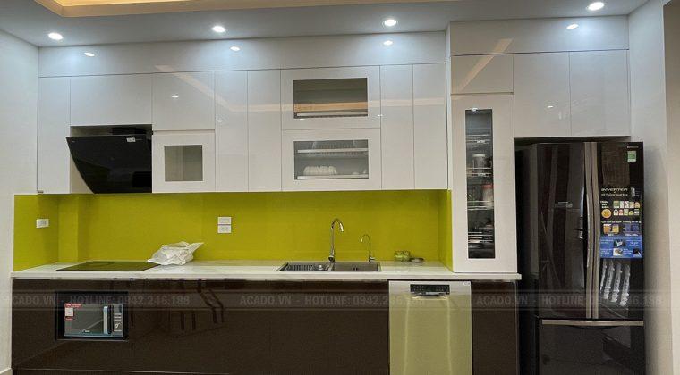 Tủ bếp thiết kế chữ I kịch trần tiết kiệm tối đa không gian bếp