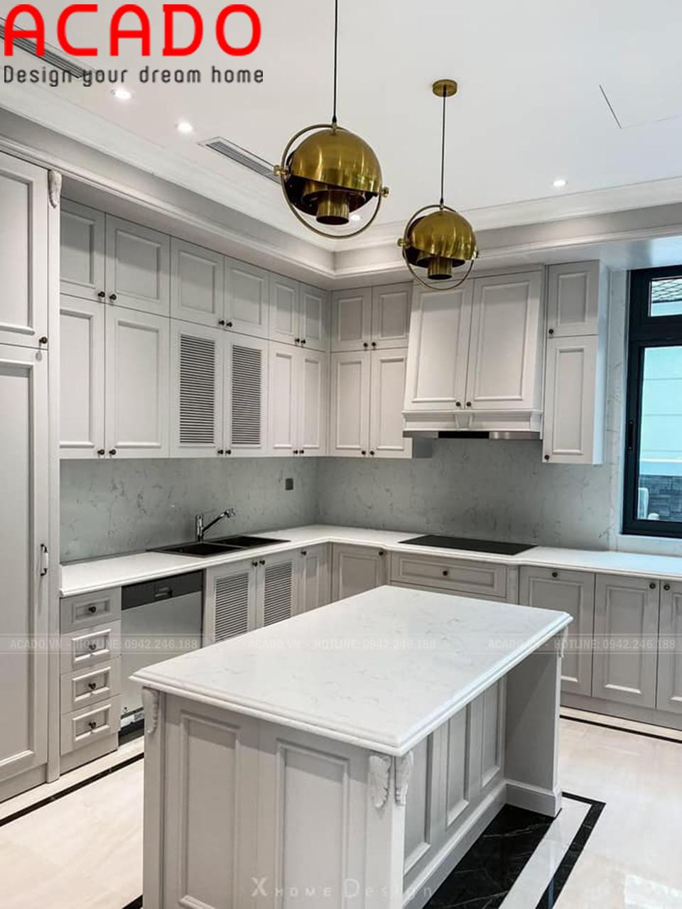 Tủ bếp sơn bệt trắng hiện đại, gây ấn tượng đối với người nhìn