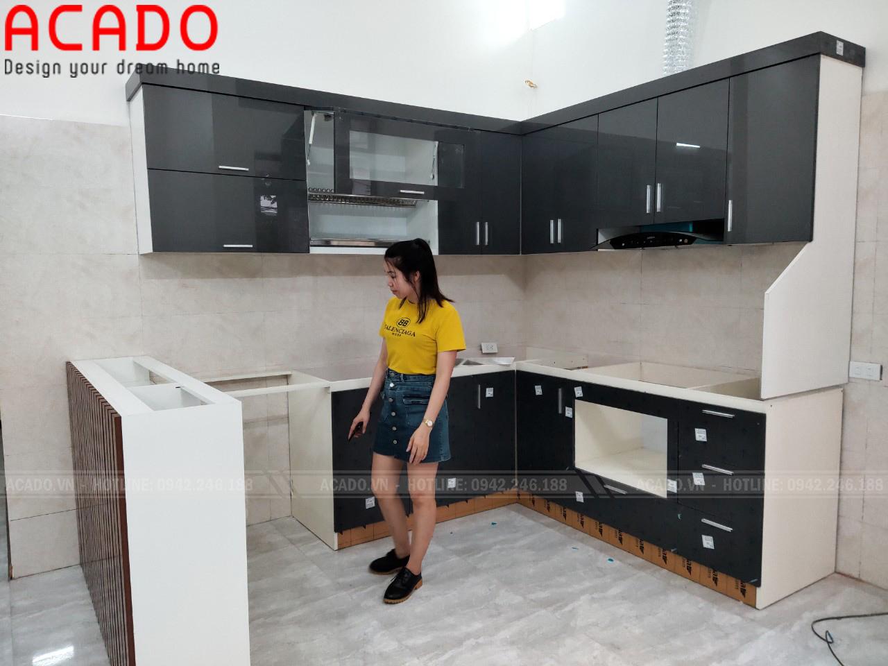 Tủ bếp chất liệu thùng Picomat chống nước tuyệt đối tăng độ bần cho tủ bếp